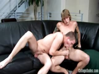 Porno Video of College Dudes - Scott Isaac Fucks Tom Faulk