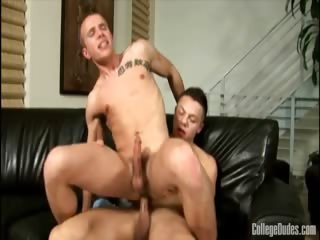 Porno Video of College Dudes - Paulie Vauss Fucks Rob Ryder