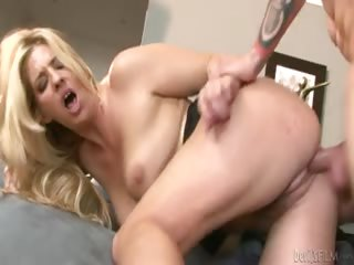 Porno Video of Blonde Milf Enjoys Having Her Pussy Pounded By Younger Cock!