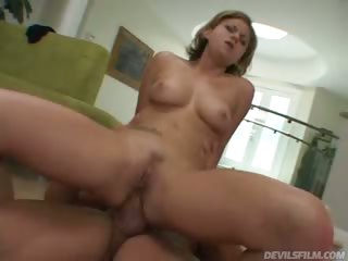 Porno Video of Nice White Teen Gets Her Cunt Filled By Big Hard Cock