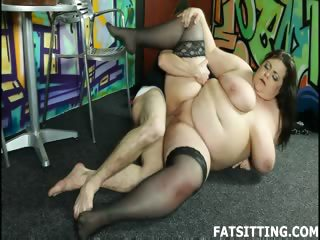 Porno Video of Bbw Dominatrix Smothering