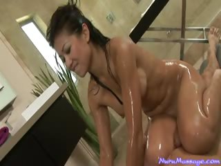 Porno Video of A Naughty Handjob With A Wet Pussy While She Gives A Massage