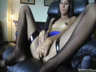 Porno Video of Cute Ladyboy Enjoys Stroking Her Cock Until It Explodes !