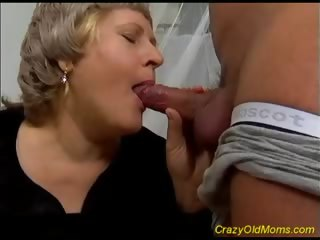 Porno Video of Strong Fuck With Old Mom