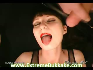 Porno Video of Leonie's 1. Bukkake Story