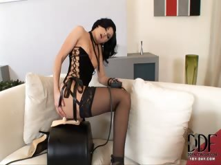 Porno Video of Lulu Gets Fucked By A Sybian