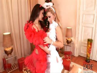 Porno Video of Xmas With Eve And Dorothy