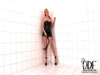 Porno Video of Wild Masturbations With A Whip
