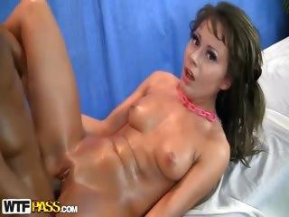 Porno Video of Teen Girl Massage In Xxx Hd Porn