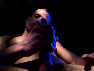 Muscular amateur jock wanking off