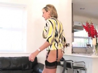 unfaithful english mature lady sonia flaunts her heavy tits