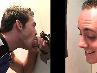 naken smal gay rumpa knuffade på gloryhole