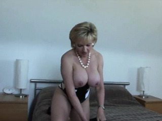 unfaithful british mature lady sonia presents her heavy brea