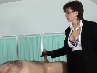 unfaithful english milf lady sonia reveals her giant jugs