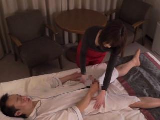 Japanese hotel milf massage leads to handjob