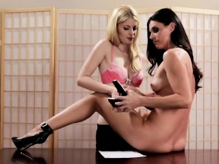 india sumers seduces charlotte stokly