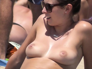 outstanding girl nude about the seaside
