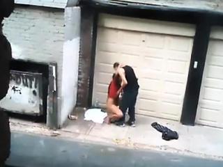 prostituée baisée au centre de la route