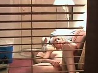 vaalea ikkuna voyeur