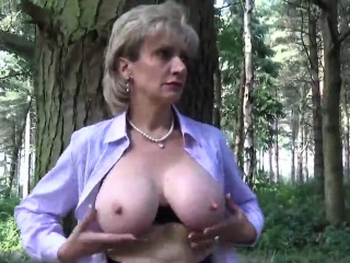 unfaithful english milf lady sonia shows her giant boobs