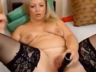 beauty blonde mature masturbating on internet - more 18-po