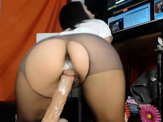 dildo can cum in her twat