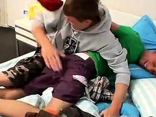 teenage boy iranian gay efter al den smerte og pinliggørelse af