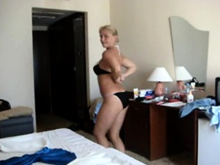 big tits mature blonde comes with an amazing body starts un