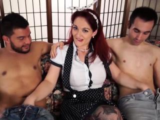 scambisti maturi - mmf threesome with sexy italian redhead