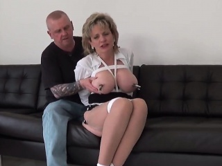 adulterous english mature lady sonia shows off her giant bre