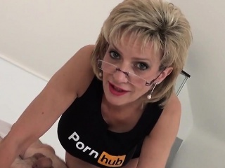 unfaithful uk milf gill ellis presents her big jugs