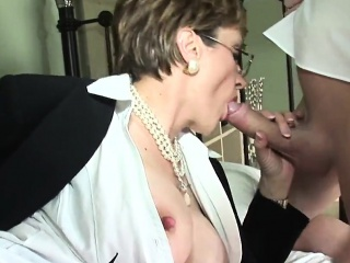 unfaithful british mature lady sonia reveals her giant tits