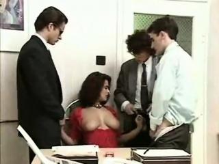 colette choisez se fait baiser par le comptable de son mari