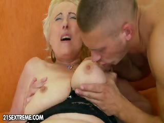 Sex Movie of Granny Gets Fucked