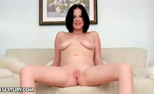 CutiesGalore presents Evelyn Cage