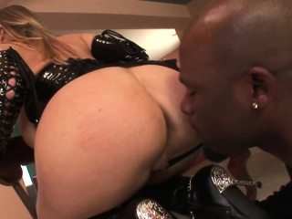 Blonde Milf With Big Tits, Devon Lee, Wears A Latex ...