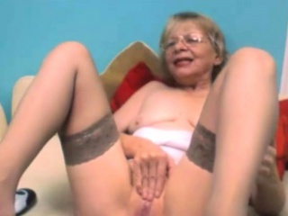 Super Horny Mature Handjob Pussy On Webcam
