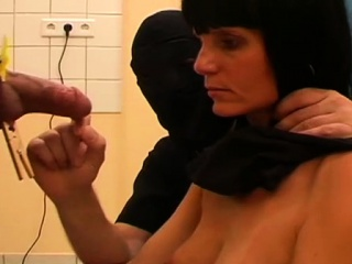 Bondage Action With A Floozy That Gets Pussy Punished