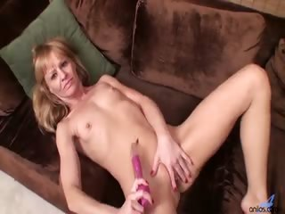 Sex Movie of Petite Blonde Housewife Josie Rubs Her Hairy Pussy For The First Time On Camera