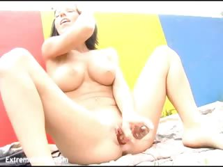 Porno Video of Extreme Kream Squirting Action