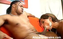 Shemale with Sexy Ass Gives Oral