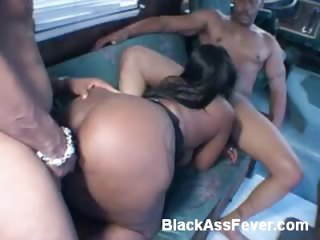 Porno Video of Phat Ass Ebony Gets Spit-roasted