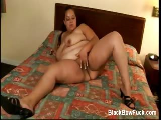 Porno Video of Black Bbw Elizabeth Exposes Her Tits