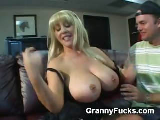 Porno Video of Busty Older Babe Exposes Her Big Tits