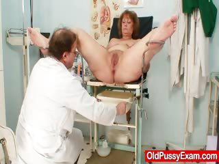 Porno Video of Hairy Fat Mom Gets Harrassed By Gynecologist