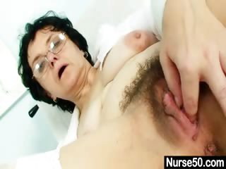 Porno Video of Old Lady Head Nurse Kinky Hairy Pussy Spreading