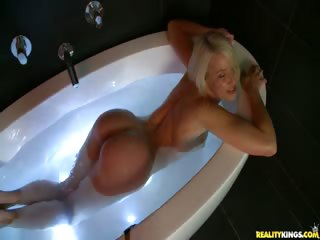 Porno Video of Monster Curve Beauty Anikka Rub A Dub-dubs In The Tub.