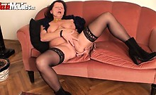 This granny loves to touch and fuck herself