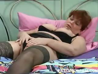 Porn Tube of Horny Mature Plumper Jilling It