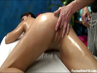 Porno Video of Cute 18 Year Old Rachel Seduced And Fucked Hard After Her Free Massage!